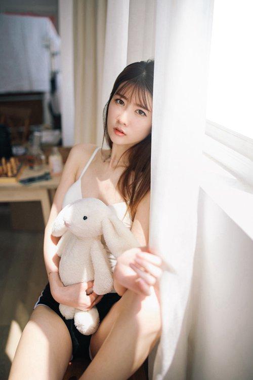 日本美女丰满美腿翘臀艺术图片_WWW.66152.COM