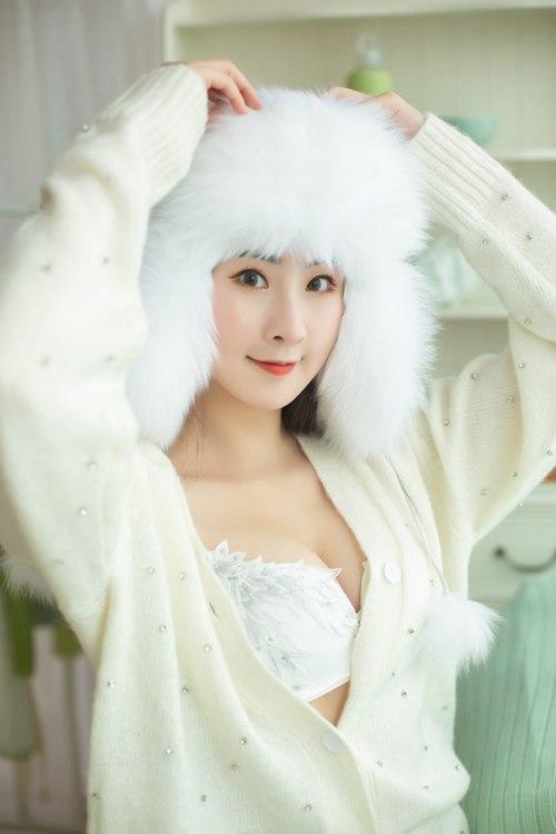 宅男女神身材丰满诱人私拍_WWW.66152.COM