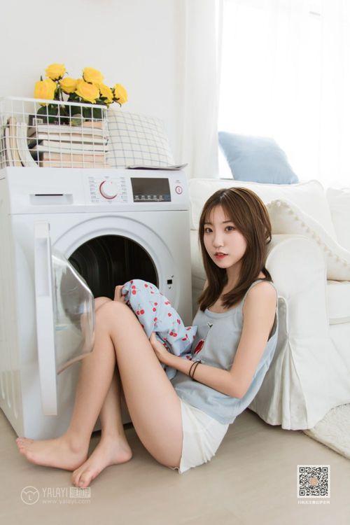 身娇体软易推倒的邻家姐妹花肉感大长腿白皙人体写真_WWW.66152.COM