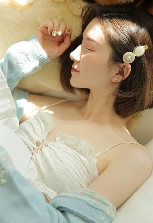 短发美女丰满长腿美艳春色性感翘臀诱惑图片_WWW.66152.COM