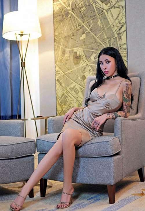 纹身社会姐霸气正妹骨感身材性感美女图片_WWW.66152.COM