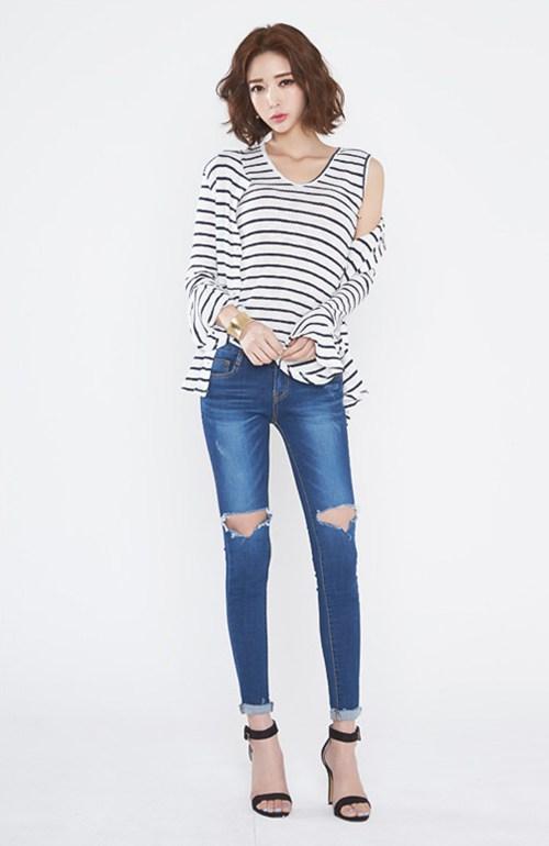 牛仔裤高挑骨感短发气质美女_WWW.66152.COM
