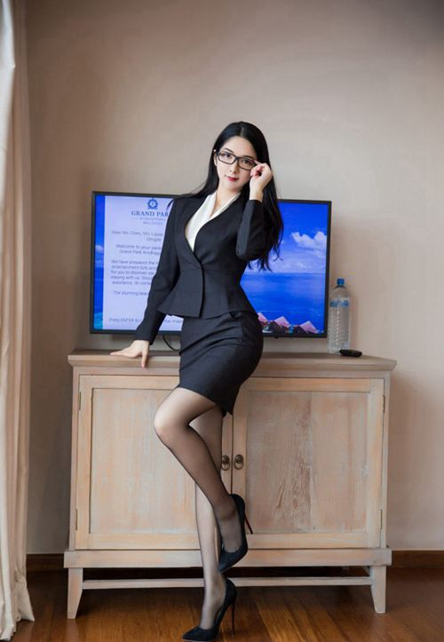 极品透明黑丝眼镜女秘书后入式视觉盛宴图片_WWW.66152.COM