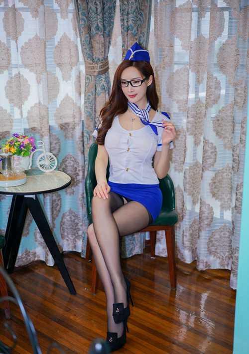 眼镜御姐优雅气质情趣制服丝袜美腿禁断诱惑图片_WWW.66152.COM