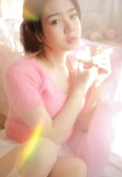 丰腴美人长腿白丝人体写真_WWW.66152.COM