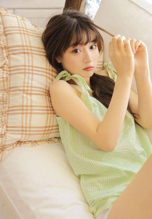 牛油果女孩白丝筒袜阳光图片_WWW.66152.COM