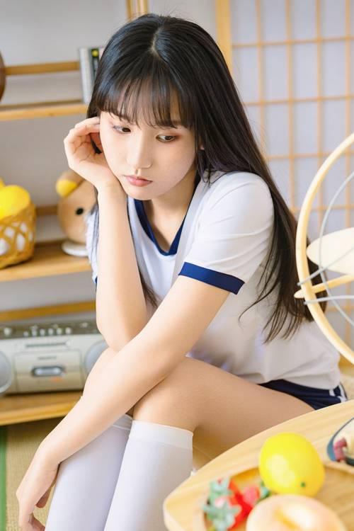 体操服美女美腿修长白丝诱人私拍_WWW.66152.COM
