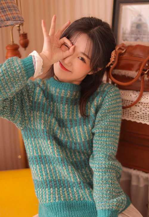 邻家少女俏皮可爱清纯图片_WWW.66152.COM