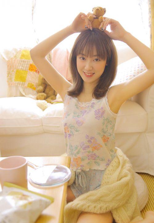 邻家女友清纯稚嫩可爱女生照片_WWW.66152.COM