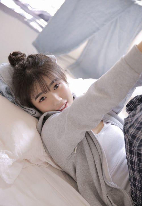 邻家小妹俏皮可爱干净清纯美女图_WWW.66152.COM