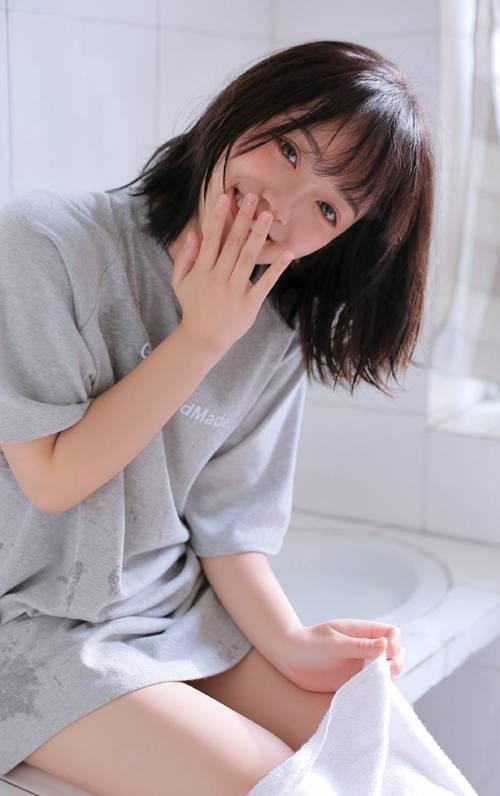 甜美可人的邻家姐姐俏皮短发清纯唯美个性图片_WWW.66152.COM