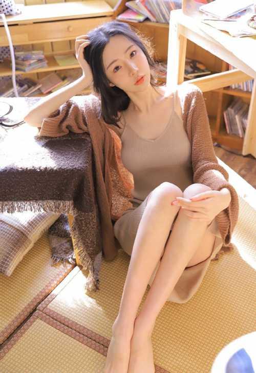 身材前凸后翘美若天仙的邻家姐姐丰胸长腿惹火艺术照_WWW.66152.COM