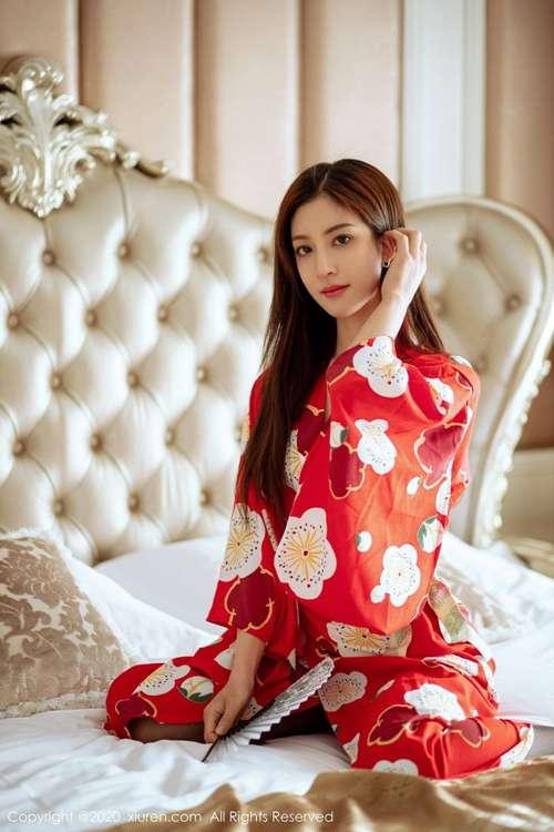 日本和服少妇黑丝美腿床上图片_WWW.66152.COM