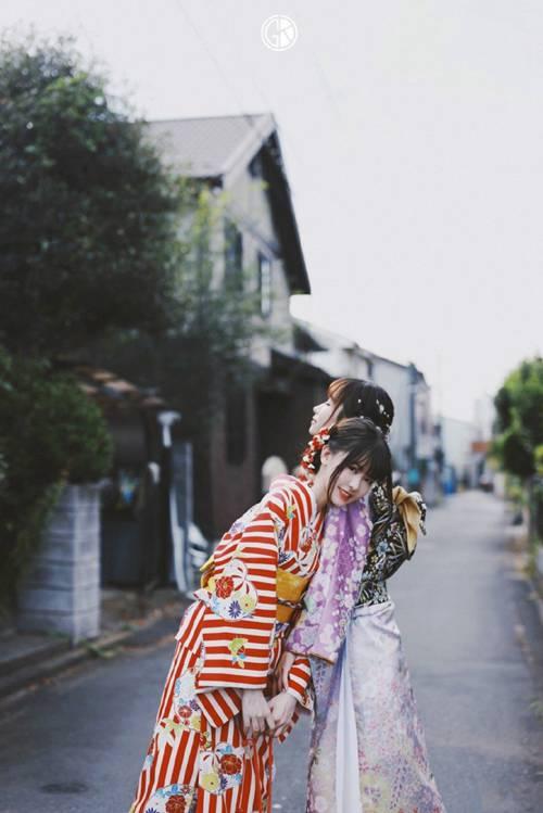 和服美女娇媚动人街拍图片_WWW.66152.COM
