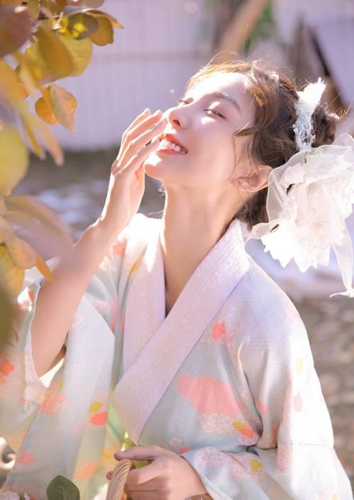 气质温柔五官精致养眼的日本和服美女粉嫩少女心唯美个性图片_WWW.66152.COM