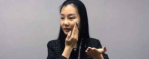 擦完护肤品脸上黏黏的_WWW.66152.COM