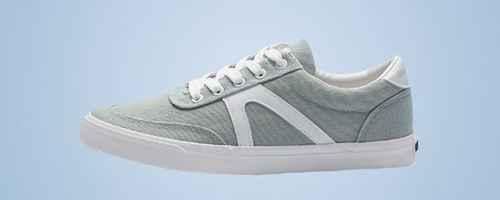 运动鞋比板鞋大一码吗_WWW.66152.COM