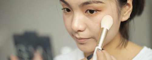 粉霜可以用三明治定妆法吗_WWW.66152.COM