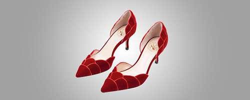女士风衣和搭配什么鞋子_WWW.66152.COM