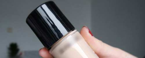 妆前乳和粉底液哪个好_WWW.66152.COM