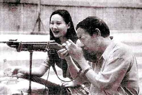 贾平凹与妻子郭梅照片图_WWW.66152.COM