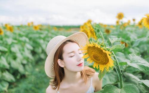 女人正能量美丽自信图片_WWW.66152.COM