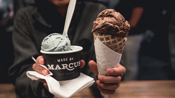 奶油冰激凌图片_WWW.66152.COM