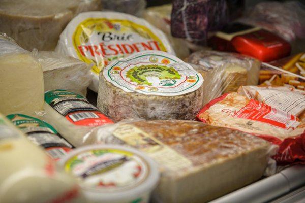 奶香浓郁的奶酪图片_WWW.66152.COM