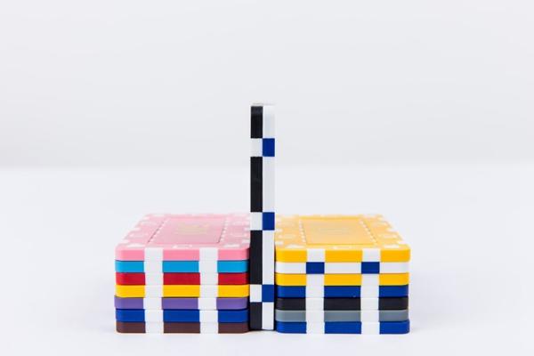 彩色筹码图片_WWW.66152.COM