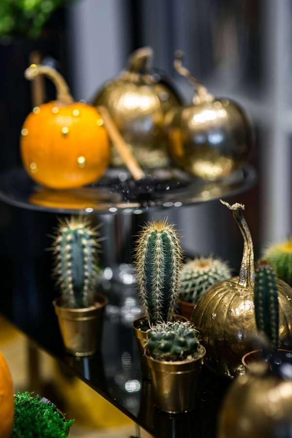 金黄色的装饰南瓜图片_WWW.66152.COM