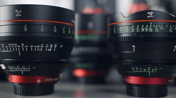照相机的镜头图片_WWW.66152.COM