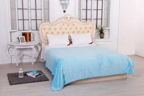 柔软的卧室毛毯图片_WWW.66152.COM