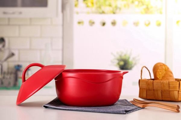 红色的汤锅图片_WWW.66152.COM