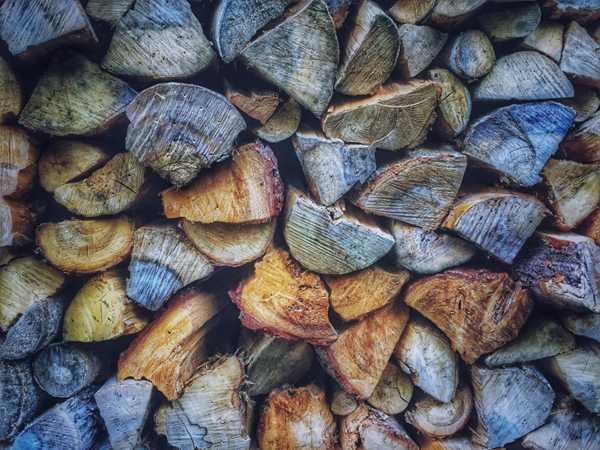 被切割好的木材图片_WWW.66152.COM