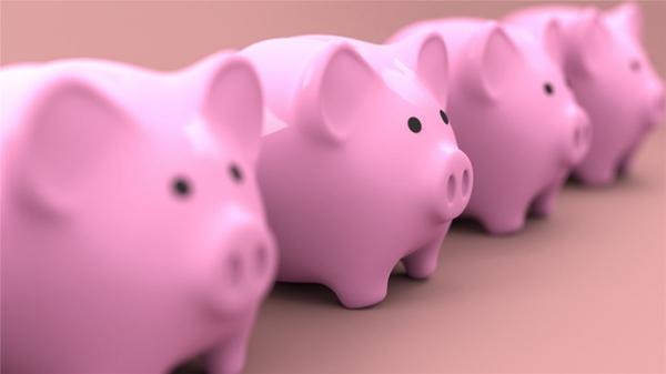 可爱小猪存钱罐图片_WWW.66152.COM