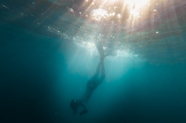 潜水运动的图片_WWW.66152.COM