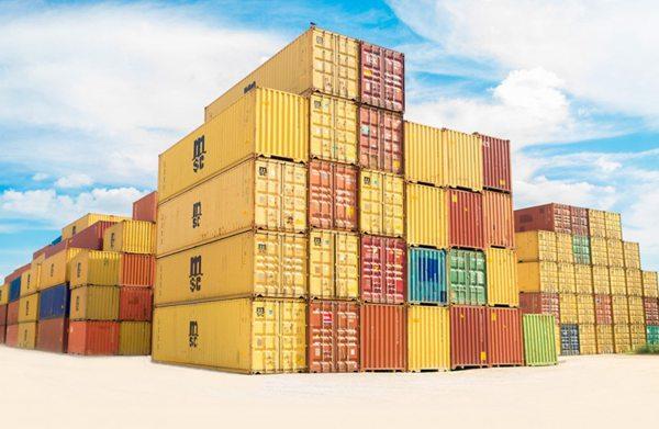 码头多彩的集装箱图片_WWW.66152.COM