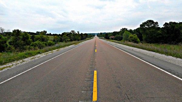 唯美公路风景图片_WWW.66152.COM