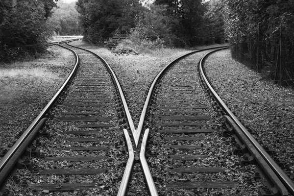 火车铁轨图片_WWW.66152.COM