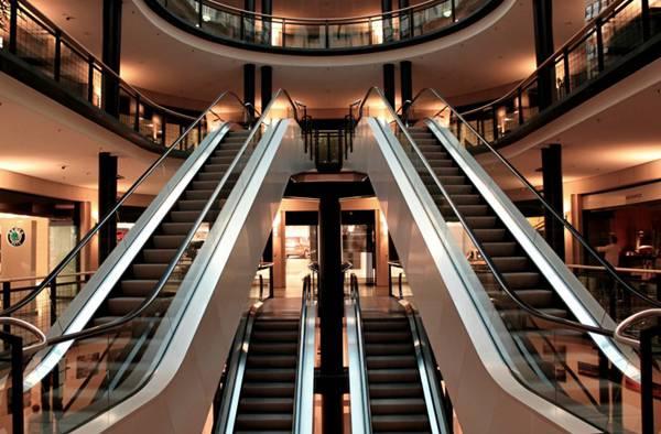 自动扶梯图片_WWW.66152.COM