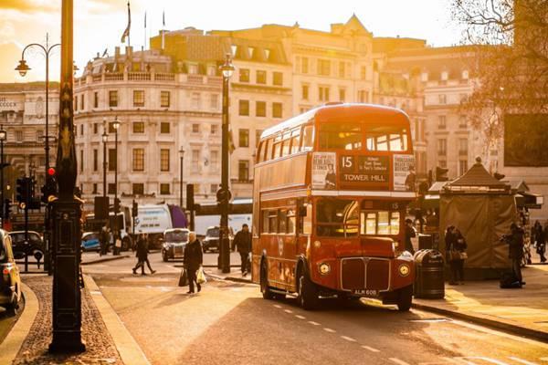 不同风格的巴士图片_WWW.66152.COM