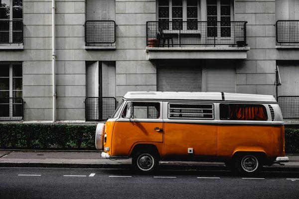 小型的巴士车图片_WWW.66152.COM