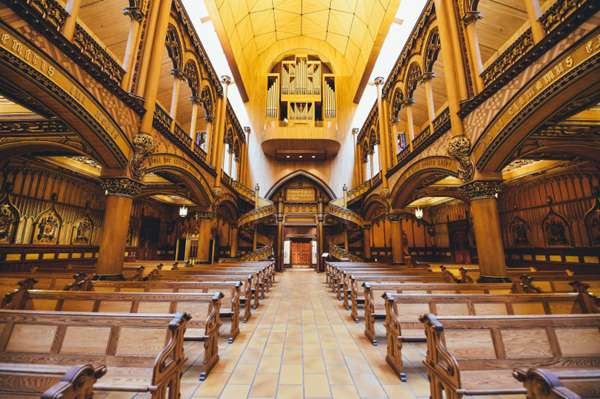 基督教的教堂图片_WWW.66152.COM