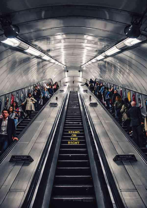 自动扶梯的高清图片_WWW.66152.COM