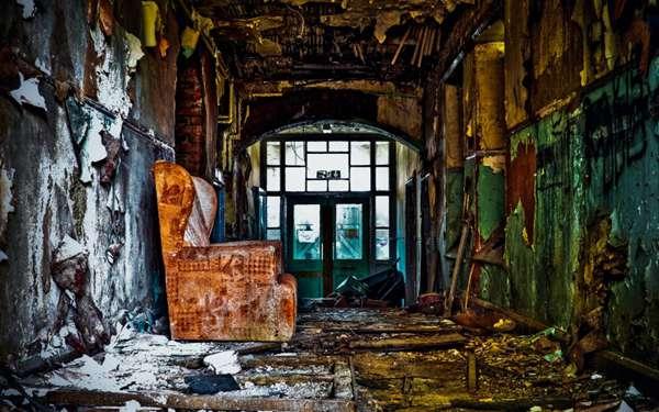 废弃的建筑图片_WWW.66152.COM