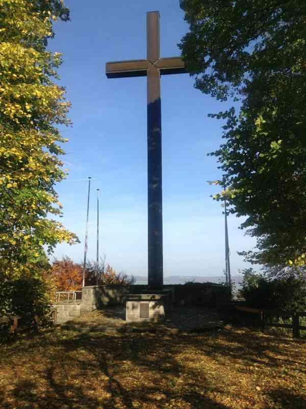 十字架高清图片_WWW.66152.COM