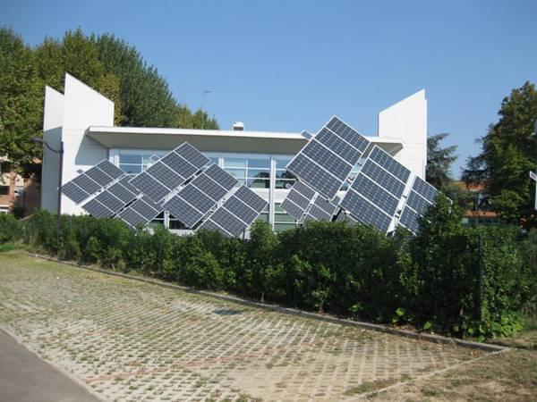 太阳能电池板图片_WWW.66152.COM