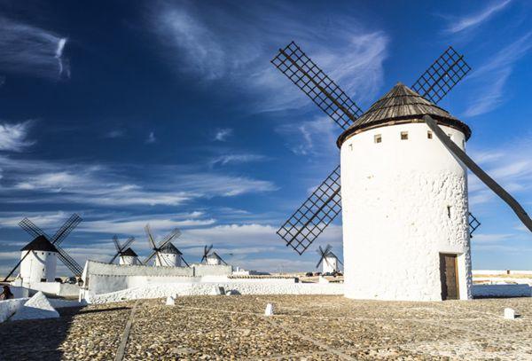 荷兰风车的特写图片_WWW.66152.COM