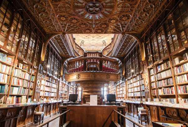 摆满书籍的图书馆图片_WWW.66152.COM