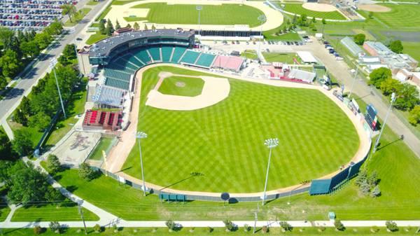 棒球场图片_WWW.66152.COM